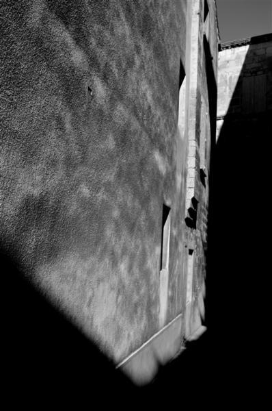 3 L'imaginaire des Pierres - Rue F.Mistral- Arles