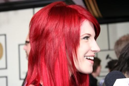 metta hairstyle paramore