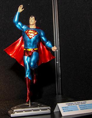 DC Collectibles Superman Metallic Statue - Frank Quietly