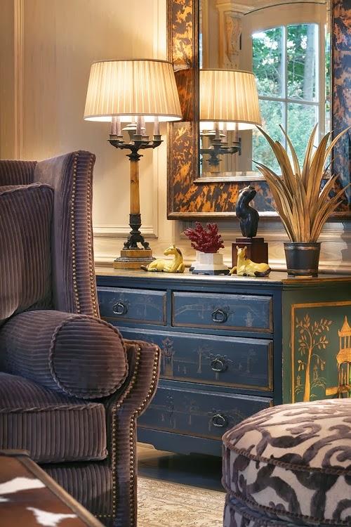 eye for design decorating with tortoise shell. Black Bedroom Furniture Sets. Home Design Ideas
