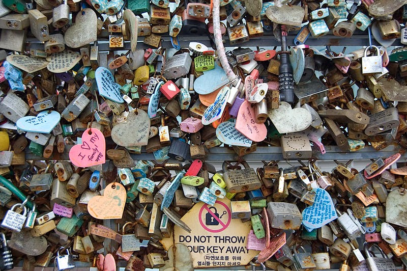 Cadeados do amor na Seoul Tower