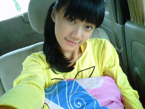Cindy JKT48 di dalam mobil