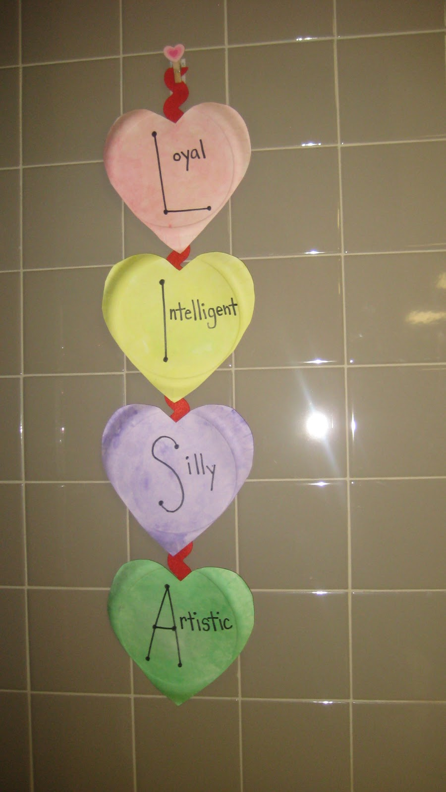 Crafts For Second Graders http://madeintheshadeinsecondgrade.blogspot.com/2012/01/valentines-day-acrostic-poem-craft.html