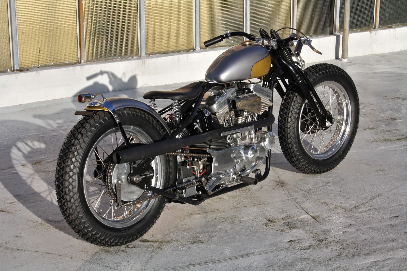 JAMESVILLE MOTORCYCLES: JAMESVILLE '88 EVO SPORTSTER BOBBER