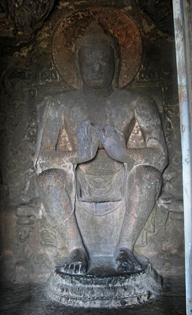 buddha statue at the aurangabad caves