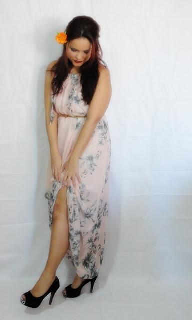 http://www.shein.com/Pink-Halter-Floral-Chiffon-Maxi-Dress-p-214910-cat-1727.html?utm_source=guchasmake.blogspot.com.br&utm_medium=blogger&url_from=guchasmake.blogspot.com.br