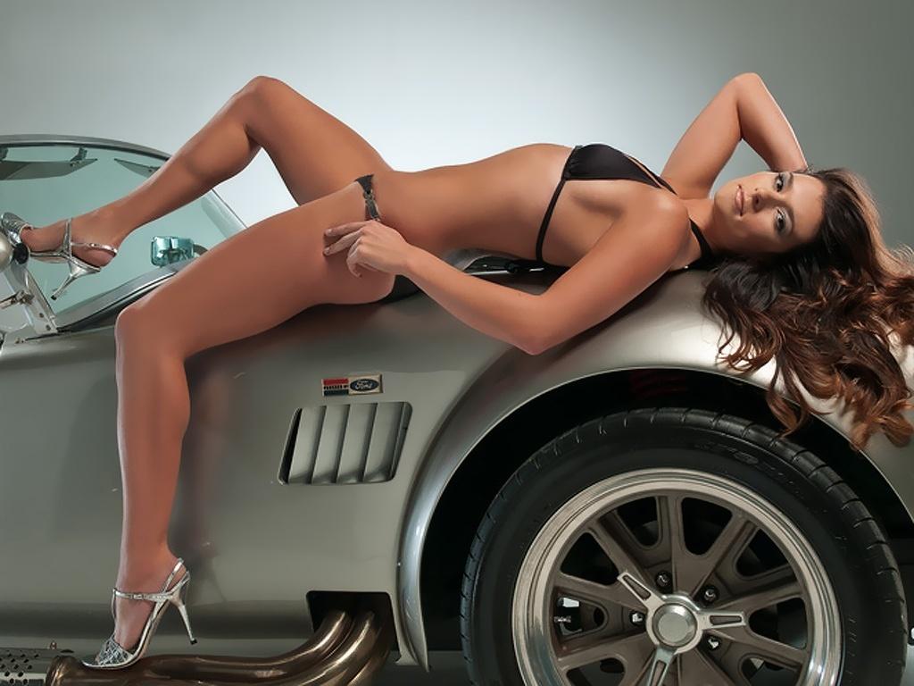 http://4.bp.blogspot.com/-uXMzTBaGVGo/TiWsNyhxnuI/AAAAAAAAcWY/IIkgWKaDho4/s1600/danica_patrick_2-1024x768.jpg