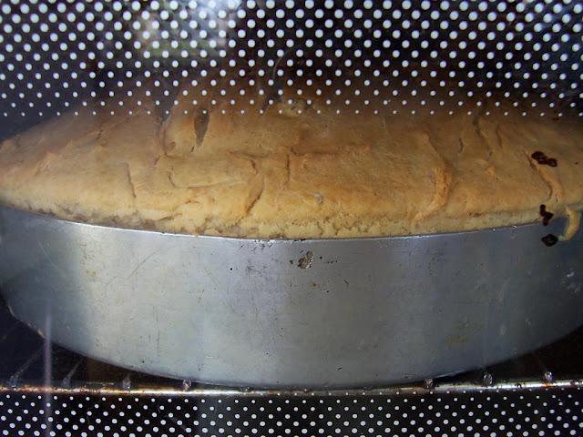 Nohut Mayalı Ekmek Fırında Pişerken