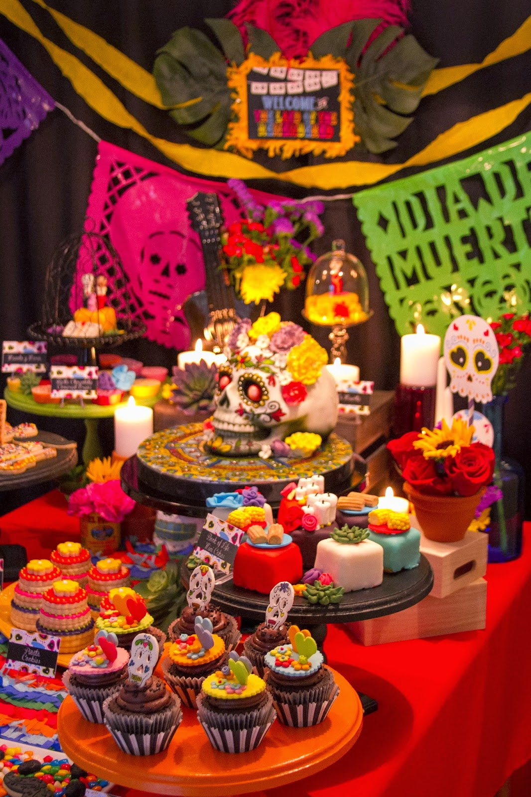 In flight party ideas the book of life movie release party for Decoracion de halloween