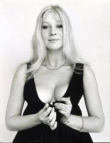 helen mirren bikini young queen