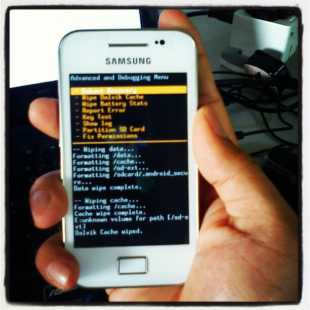 mengenai cara root Xperia X8 , Samsung Galaxy Mini , Samsung Galaxy