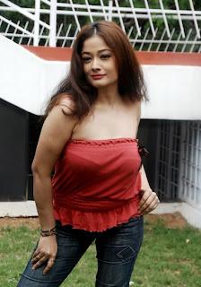 Kiran Rathod Hot Photos  in Jeans
