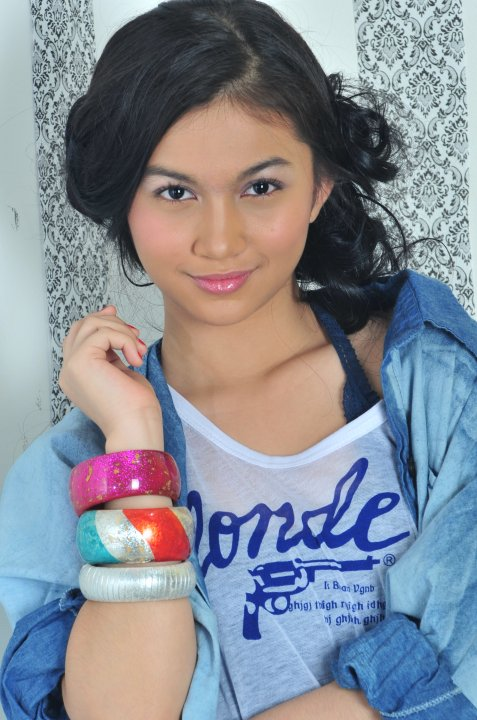 Ariel Tatum - Cute Indonesian Singer Photoshoot 2013