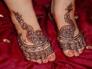 http://4.bp.blogspot.com/-uYsHksbQIdE/TuO3pt5H28I/AAAAAAAAAto/7h7spgDVwOk/s1600/Feet-Mehndi-Designs-Collection.jpg
