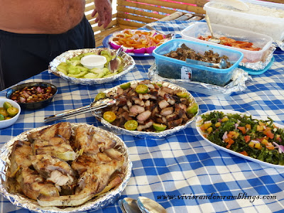 Filipino picnic lunch, Lu-li Island, Honda Bay Puerto Princesa, Palawan