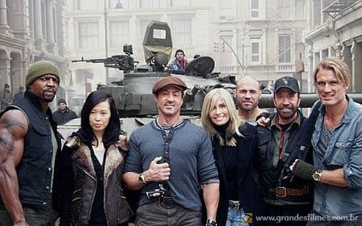 Terry Crews, Sylvester Stallone, Chuck Norris e Dolph Lundgren em Os Mercenrios 2