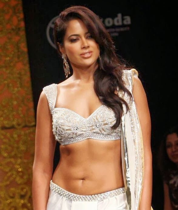 Naked picture of sameera reddy