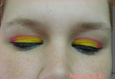 maquillage oiseau exotique