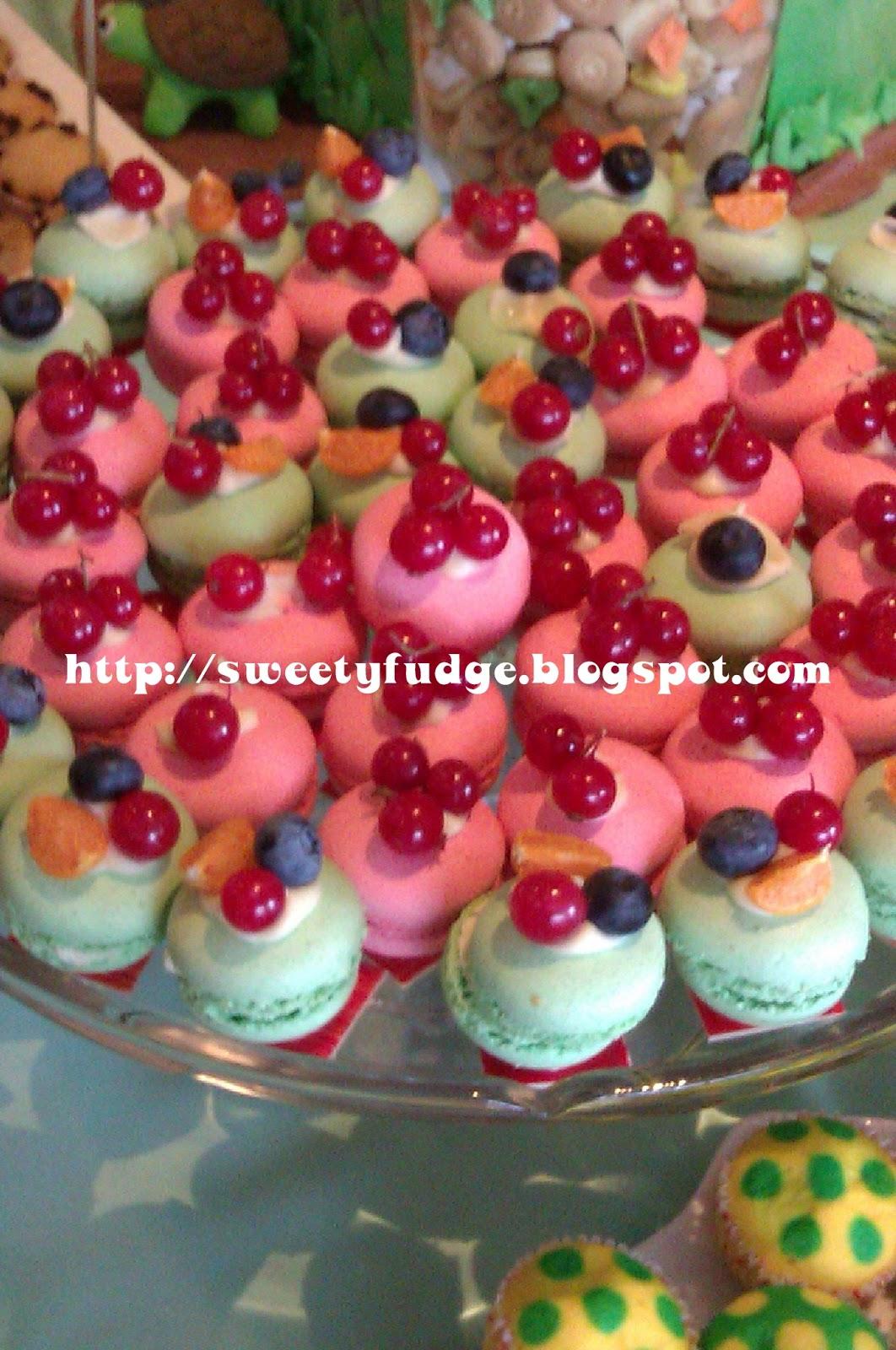 Sweetyfudge Bakery (001925672-X): Red Velvet Cupcake: Puan