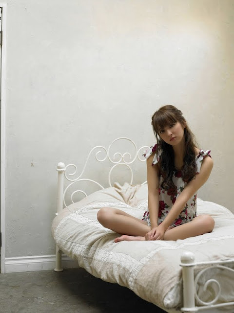 http://bambang-gene.blogspot.com/2011/09/nozomi-sasaki-siap-untuk-blee-18-foto.html