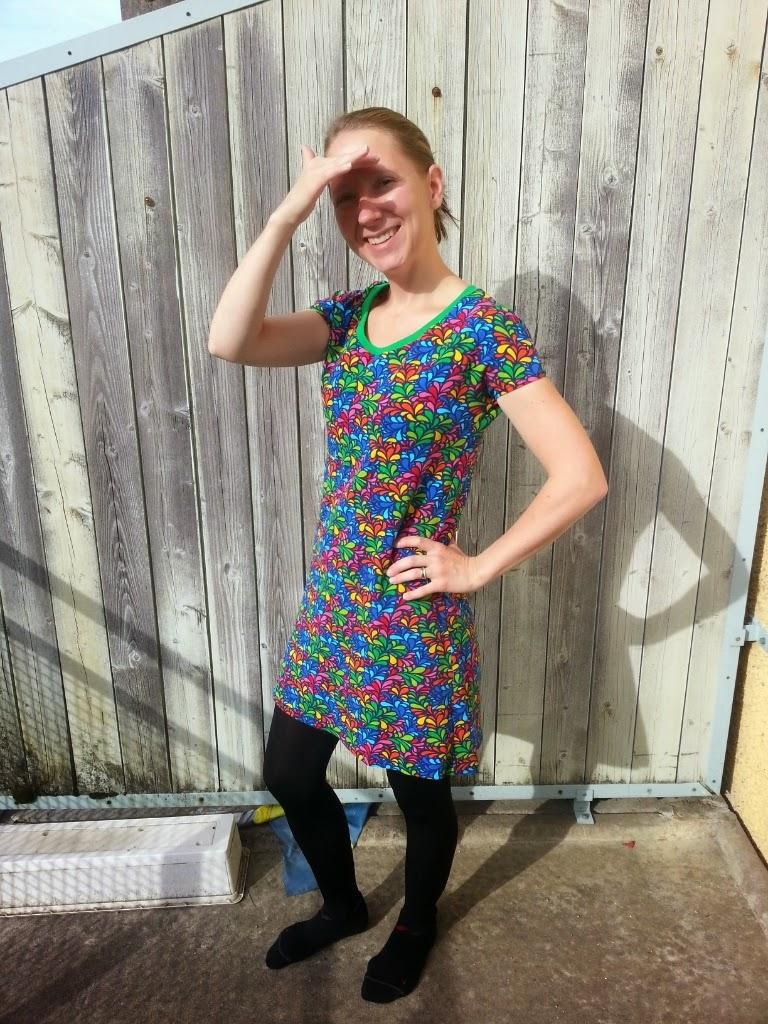 klänning dam storlek S sy färgglad