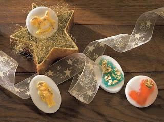 Receta jabón casero con moldes navideños.