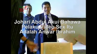 Gambar Datuk Johari Abdul Difitnah Papagomo dan Datuk T