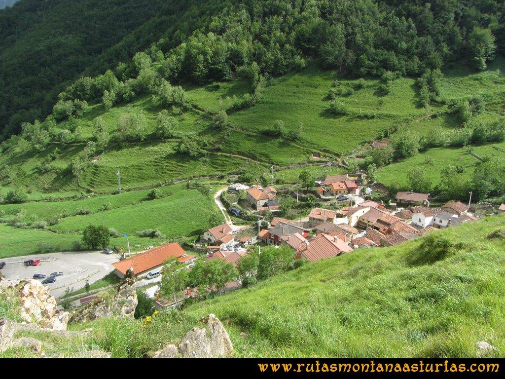 Ruta Tuiza Fariñentu Peña Chana: Bajando por valle de Corrales, llegando a Tuiza de Arriba