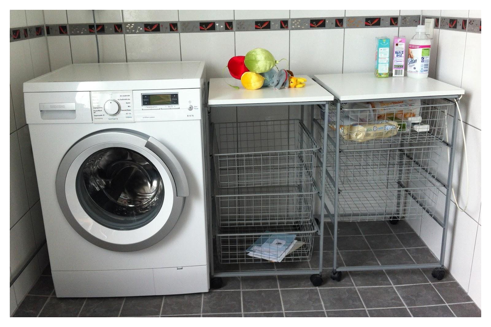 57an: bänk i badrummet & kakfat utan kakor