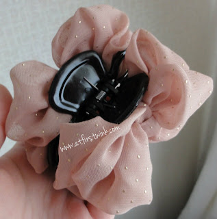 pink claw hair clip with pink ribbons