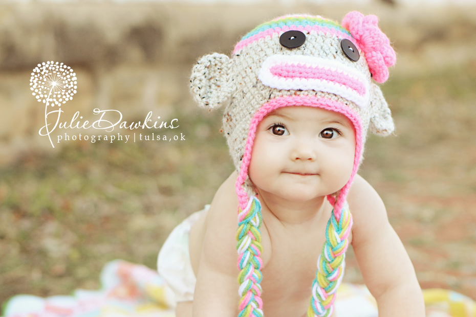 Cute Baby Girls with Brown Eyes Photo