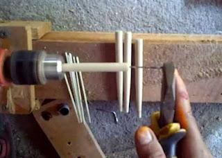 tips jitu teknik memancing,cara memasang pelampung pancing, cara membuat pelampung pancing dari kayu,