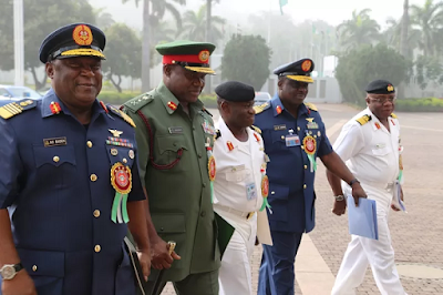 Buhari orders EFCC to probe former Service Chiefs, other Serving & former Military Leaders