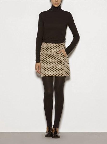 Falda pinzas ligera estampada