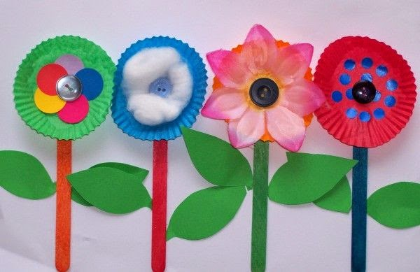 Colorful fluffy paper plates turn into really cute flowers embellished with silk flower petals cotton stickers buttons and more courtesy of females ... & Paper Plate Flowers | Munchkins and Mayhem