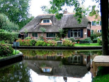 1, giethoorn in holland marisa haque & ikang fawzi, village withouts treets.jpg