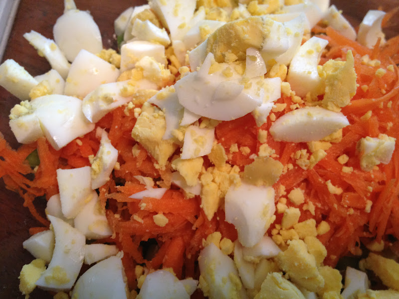 Салаты с курицей с морковью, сыром и чесноком, с фото