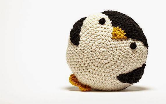 https://www.etsy.com/listing/61248038/crochet-penguin-pillow?ref=favs_view_4