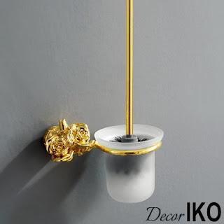 Классический интерьер ванной комнаты, выполненный с использование натуральных материалов и светлых тонов, будет великолепно дополнен аксессуарами из коллекции Gold Rose. Пышность розовых лепестков подчеркивается ярким блеском металлического покрытия (имитация золота, бронзы, меди, олова и хрома), а умеренная стилизация способствует расстановке правильных акцентов в отделке.