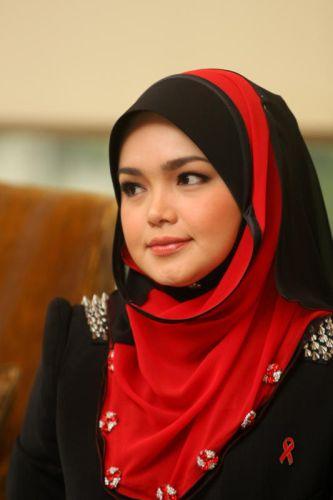 Siti+Nurhaliza Siti Nurhaliza Dedah Tempat Mengundi