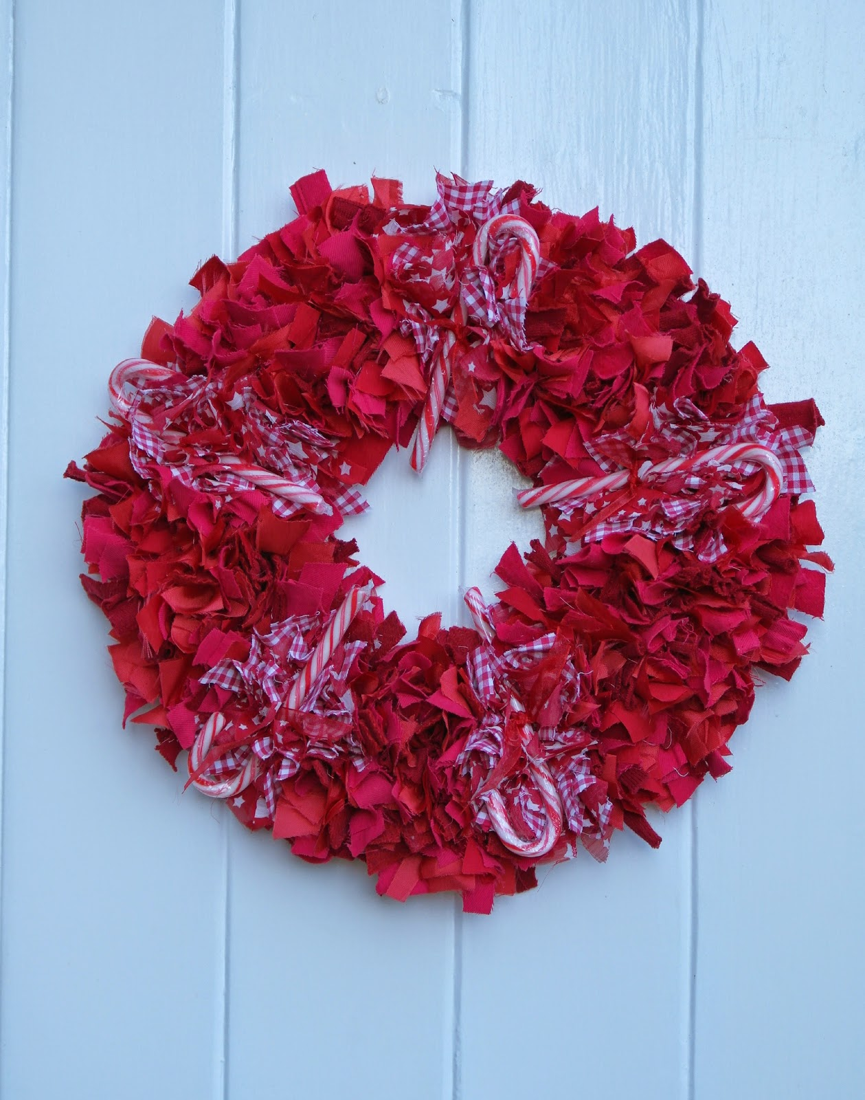 Me And My Shadow Rag Rug Christmas Wreath