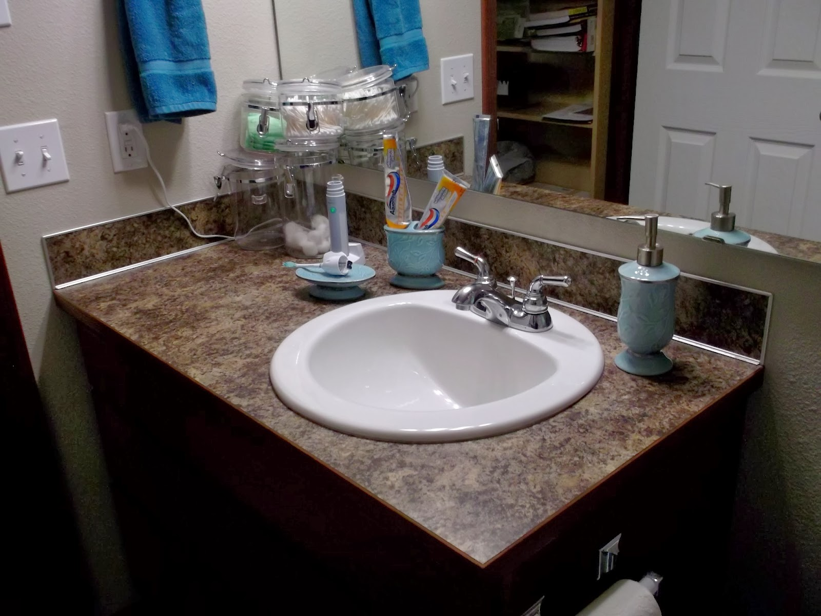 Katrinas Point Of View How To Clean Your Bathroom Fast And Thorough In 10 Easy Steps