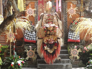 Batubulan Village - Stone Carvings - Barong and Keris Dance
