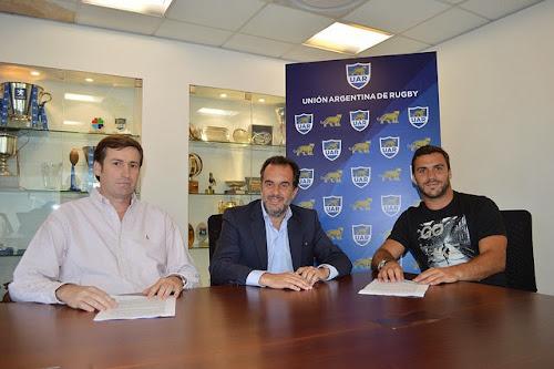 Martín Landajo firmo contrato con la UAR