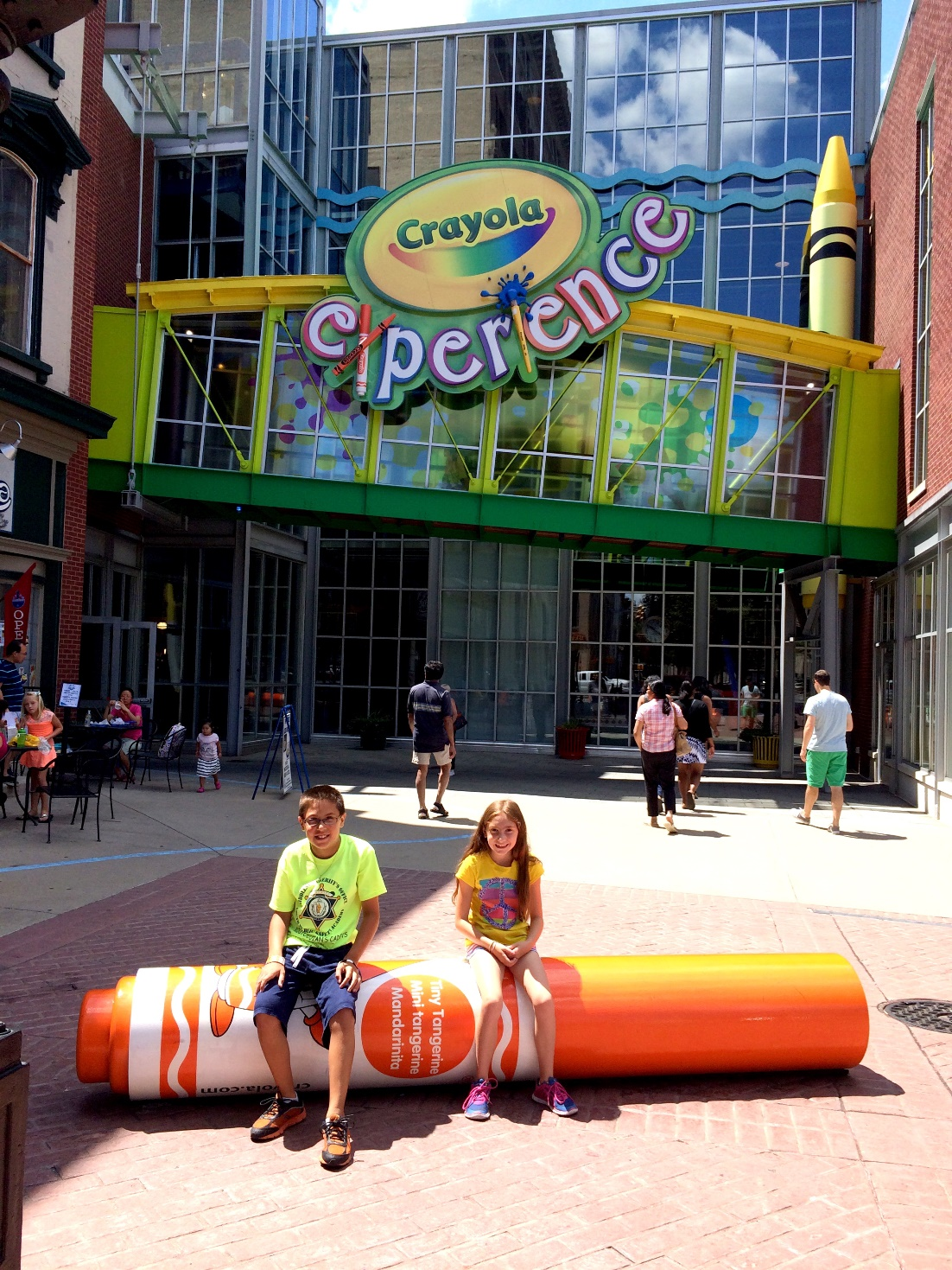 evan and lauren s cool blog 8 7 15 the crayola experience in easton pa