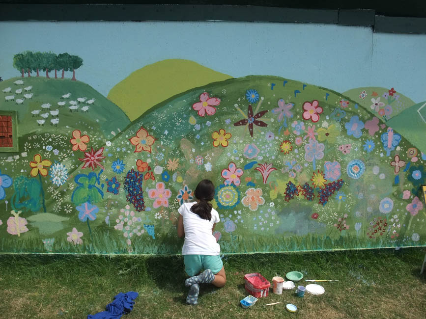 Ivy arch the great wall of worthing painting a for Community mural