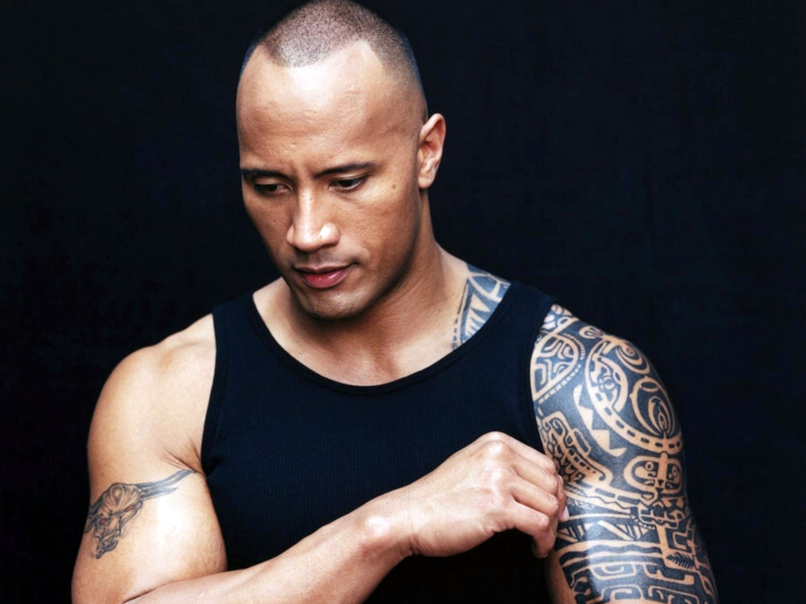 http://4.bp.blogspot.com/-ub_ZQLSbi-E/TorfwLF4bNI/AAAAAAAAALU/06krKPceRQg/s1600/Dwayne-Johnson-tattoos-actor-the-rock-hd-desktop-wallpaper-screensaver-background.jpg