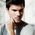 "Taylor Lautner perde a toalha em trailer de ""Cuckoo"""