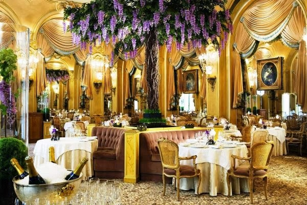 Restaurant in Paris.