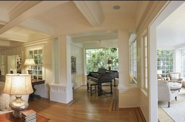 http://4.bp.blogspot.com/-ucFsn6YkjNc/TcUrbcXsW_I/AAAAAAAAADc/uCXWnmxHOyI/s1600/Mark-zuckerberg-7-million+home+a-piano.jpg